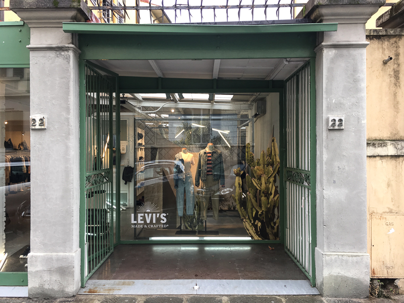 WINDOW - Levi's at Societe Anonyme Florence 2017-1