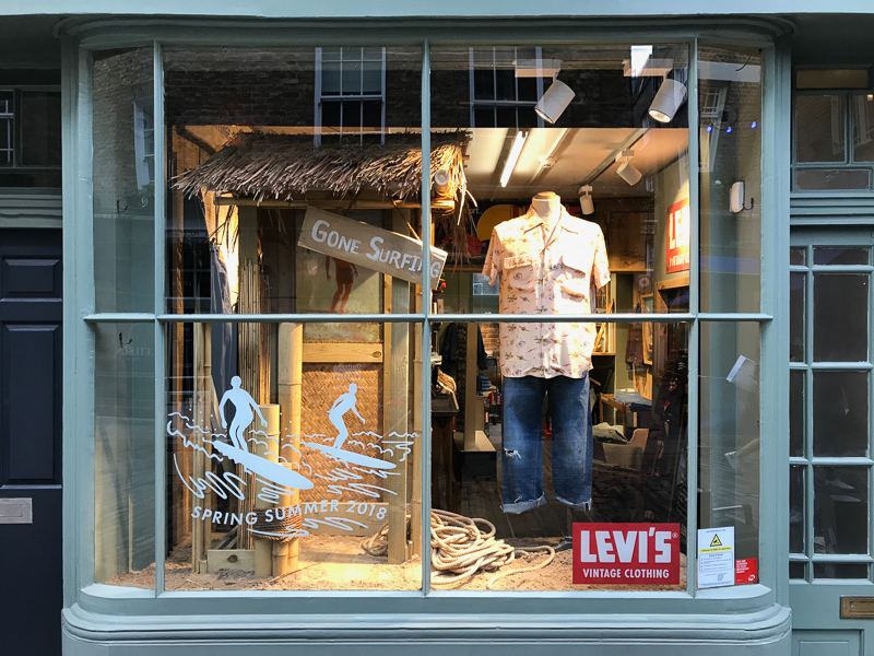 Levi's surf at Cinch London